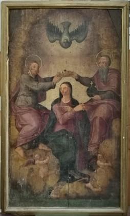 """Restauro conservativo dipinto su tavola raffigurante  """"L' Incoronazione di Maria con la SS. Trinità""""  che si venera nella Chiesa di  S. M. Assunta in Volturino FG"""